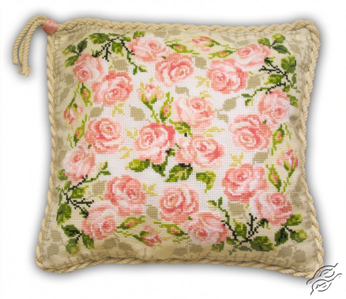 Cushion With Roses by RIOLIS - 720