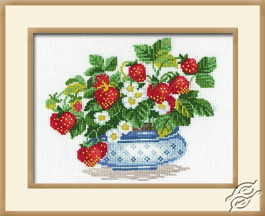 Strawberries by RIOLIS - 870