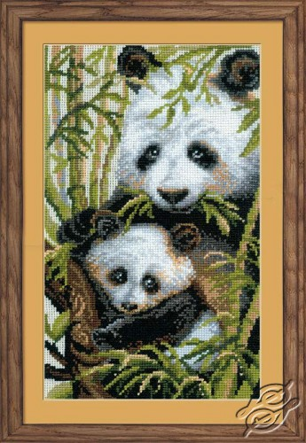 The Panda with the Young by RIOLIS - 1159