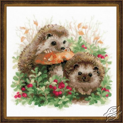 Hedgehogs in Lingonberries by RIOLIS - 1469