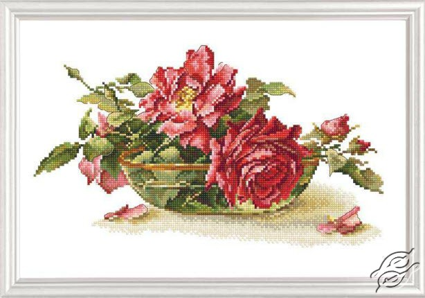 Roses In Tea Bowl by RTO - M525