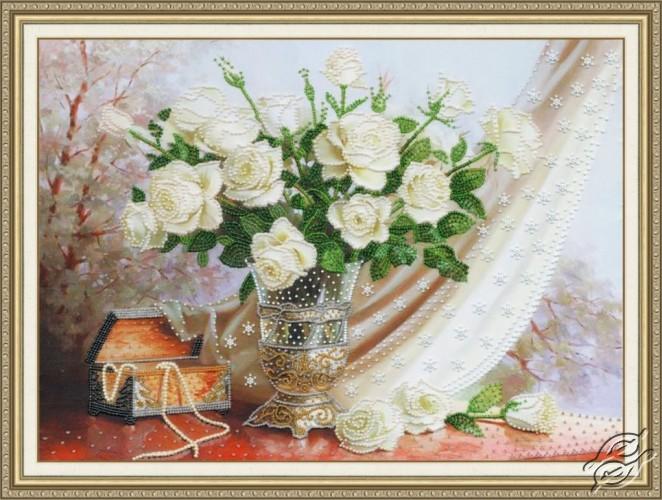 White Roses by Golden Fleece - RT-099