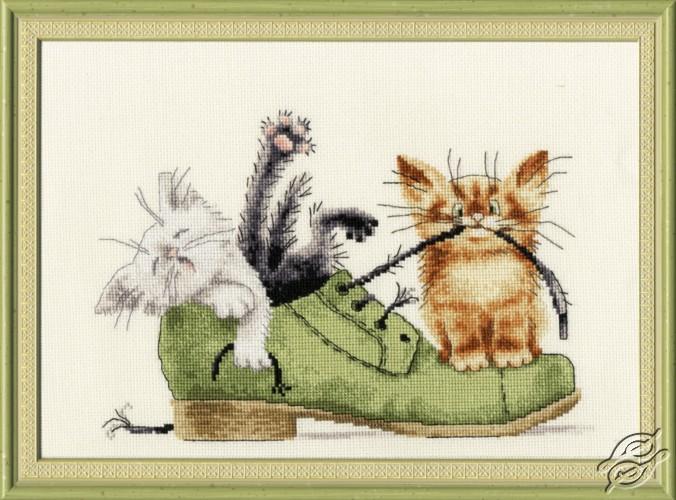 Kittens in a Boot by Golden Fleece - VK-033