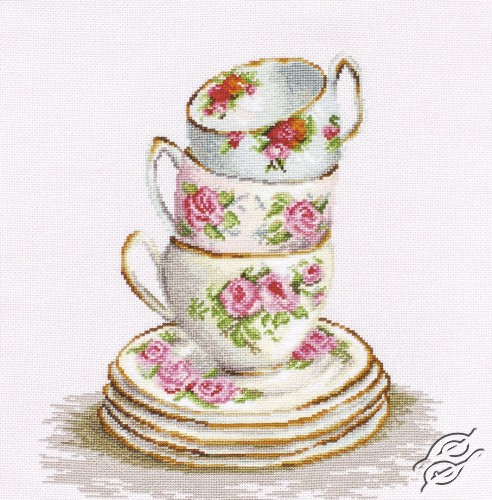 3 Stacked Tea Cups by Luca-S - B2323