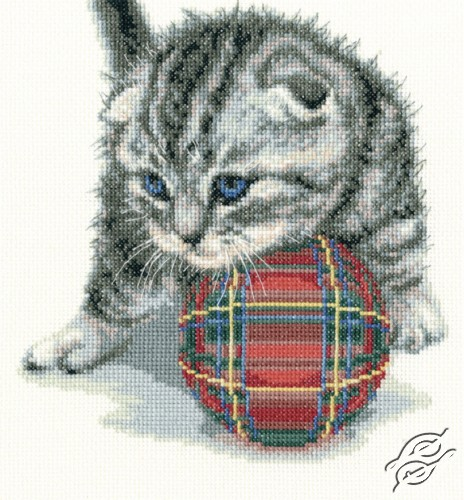 Playful Kitten by RTO - M708