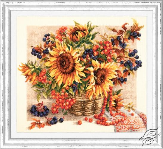 Rowanberries Garland by Magic Needle - 40-76