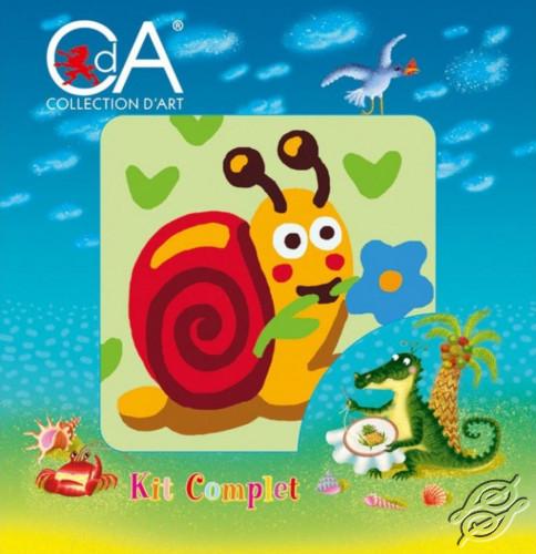 A little Snail by Collection D'Art - 1051K