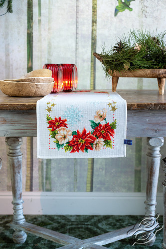 Christmas Flowers by Vervaco - PN-0155487