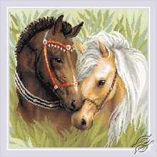 Pair of Horses by RIOLIS - AM0039