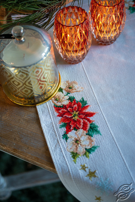 Christmas Flowers by Vervaco - PN-0157190