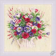 Bouquet with Eustoma and Gypsophila by RIOLIS - 1947